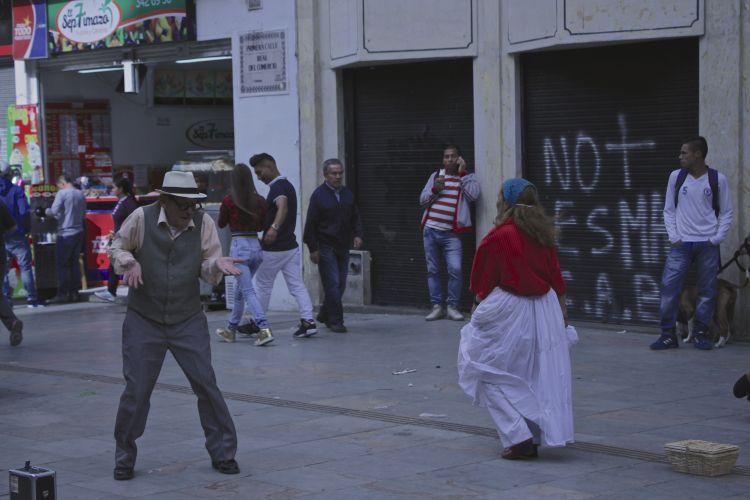 cute-street-dancers