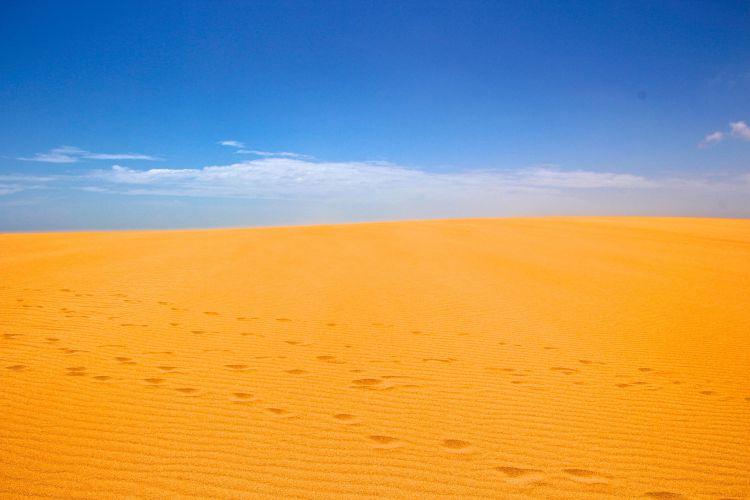 footsteps-tarao-dunes