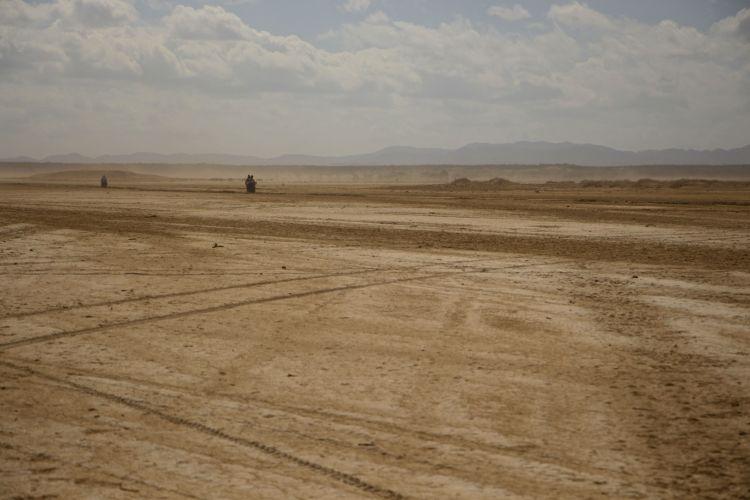 traffic-on-desert-highway-2